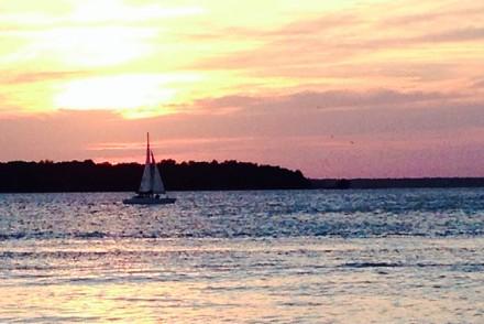 resort-girl-sunset
